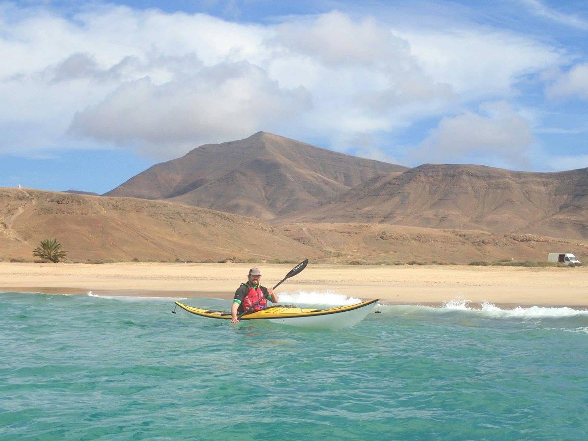 Lanzarote: Paddeln vor Wüstenkulisse