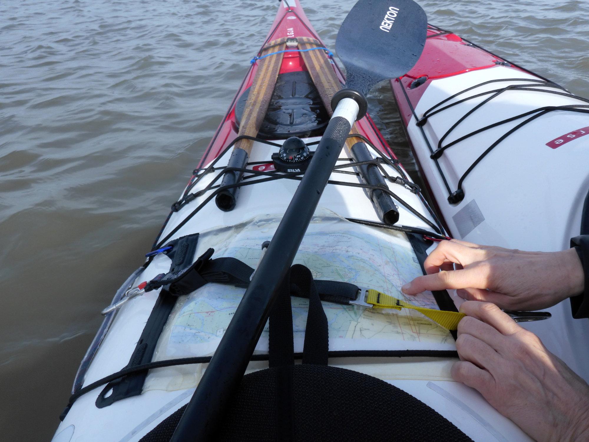 Navigation auf dem Kajakdeck