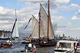 Elbphilharmonie-Führung & Hamburg by Boat