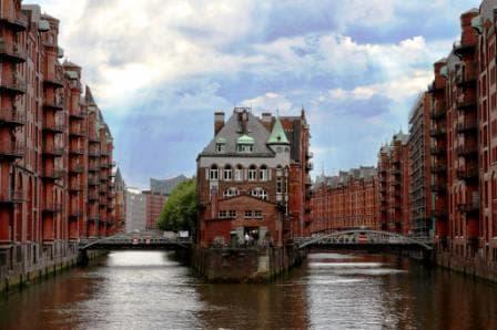 Elbe Philharmonic Führung & Harbor Cruise 82 - Wasserschlösschen