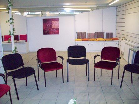 Stuhlkreis im Veranstaltungsraum