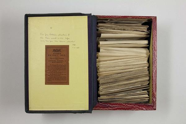 """""""sah, dass diese Truhe Papiere enthielt. Ein bisschen leichte Lesekost, damit ließe sich sein unfreiwilliger Aufenthalt versüßen"""" (S.77) - Manuskript von Jane Austen (Quelle: https://blogs.spectator.co.uk)"""