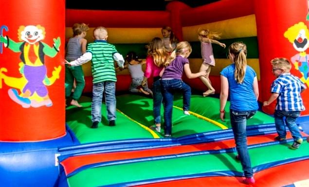 Automotive Sales Event - kids entertainment op elk event: o.a. mega-springkussen