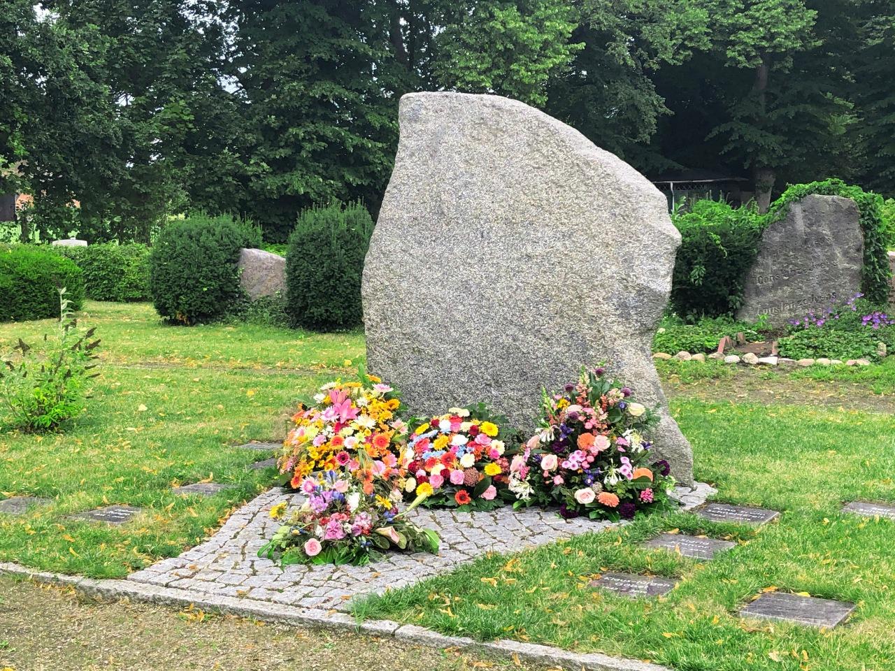 Grabmal Friedhof Billwerder Hamburg