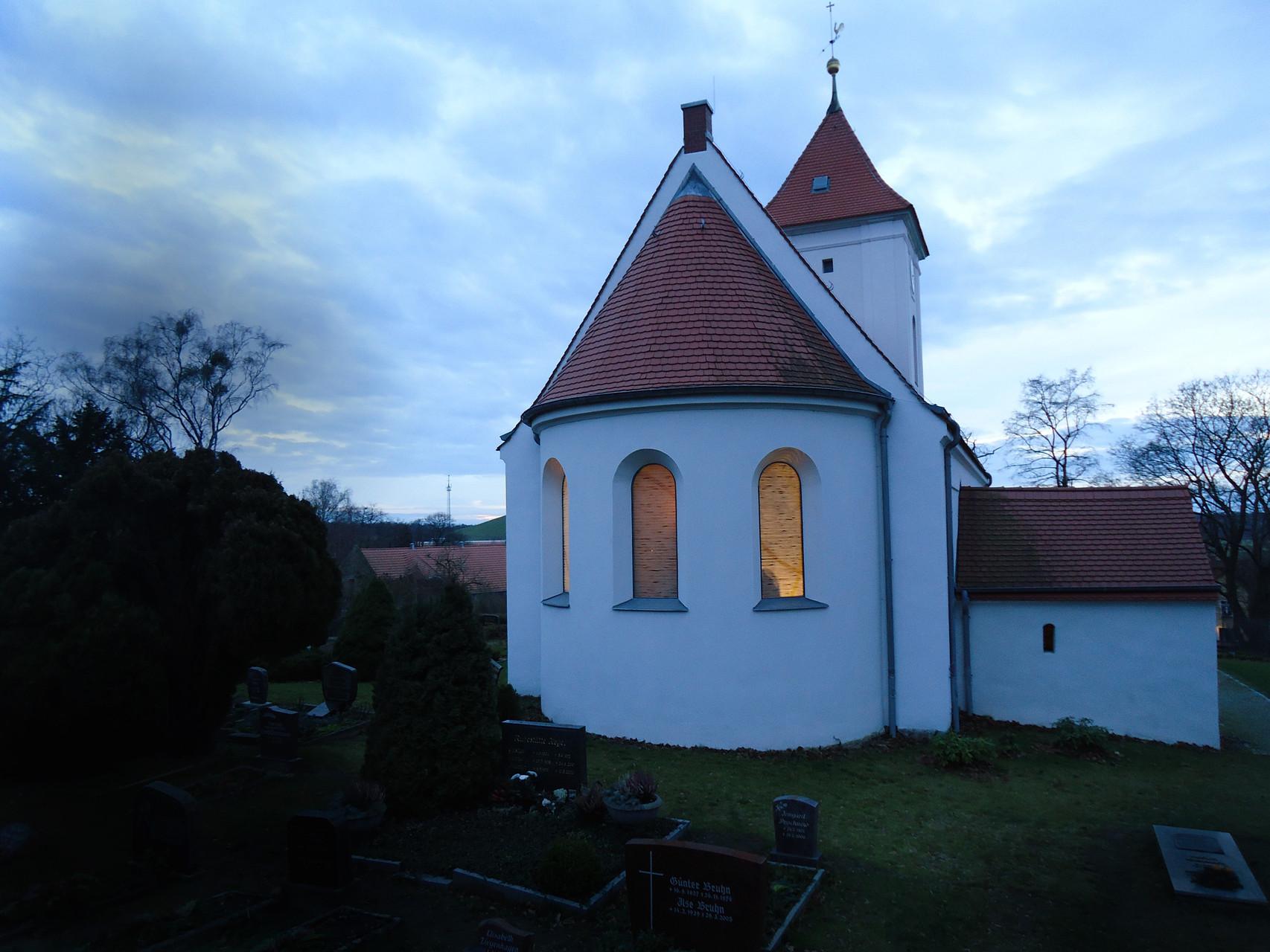 Drei Altarfenster für die Evangelische Kirche in Rohrbeck          Wettbewerb 2013        1. Preis
