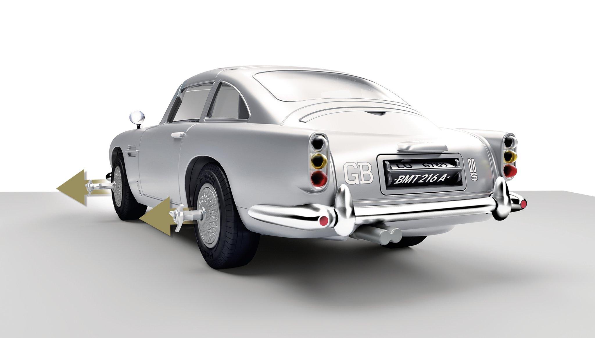 ASTON MARTIN DB5 JAMES BOND PLAYMOBIL – ÉDITION GOLDFINGER - Coupe-pneus rétractables sur les 4 pneus.