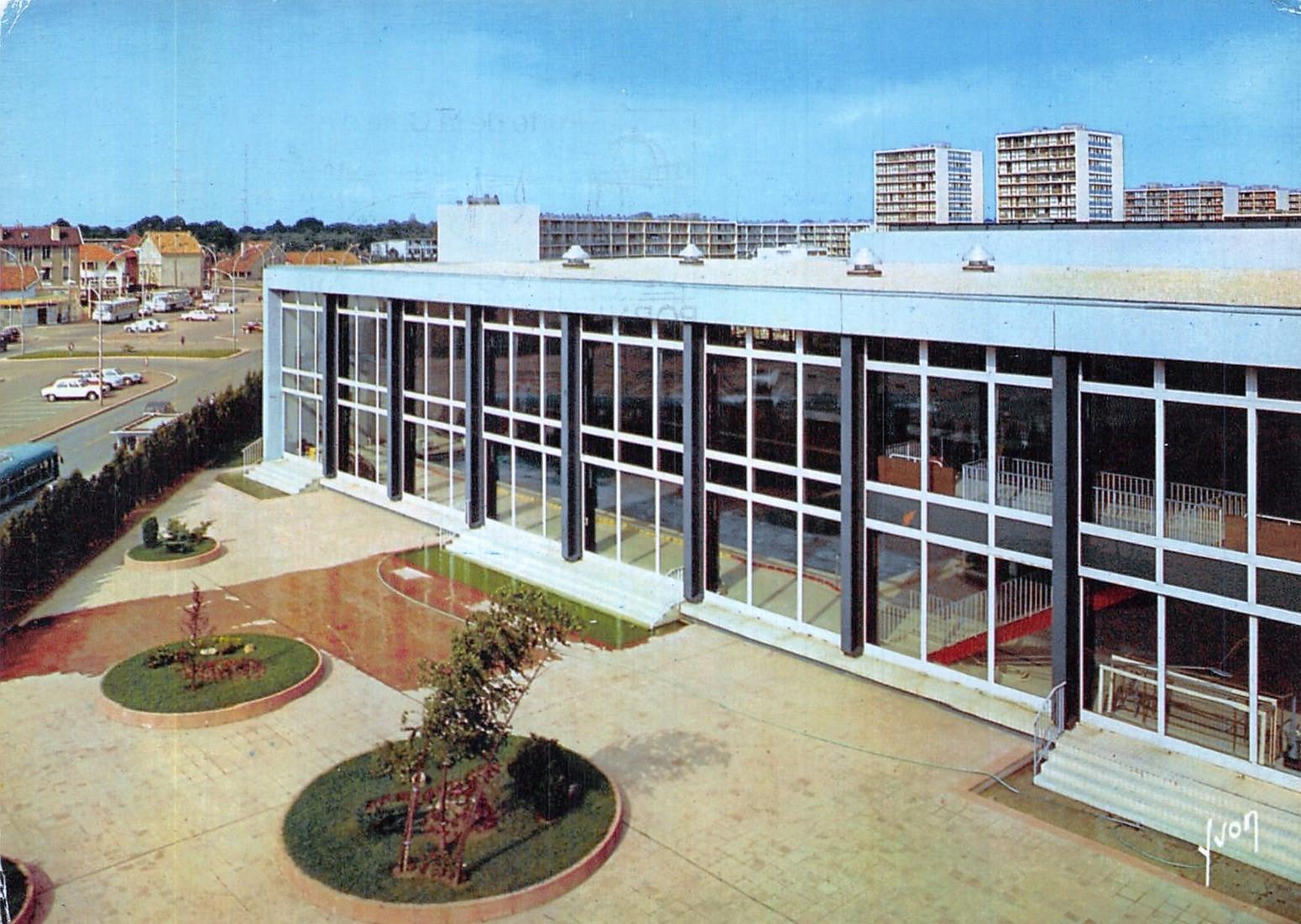 Vélizy-Villacoublay - Piscine municipale - Avenue Marcel Sembat - Date d'oblitération : 24.11.1986