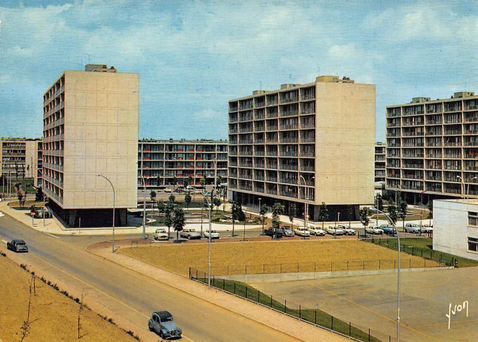 Vélizy-Villacoublay - Rue de la Division Leclerc - Date d'oblitération : 30.07.1987