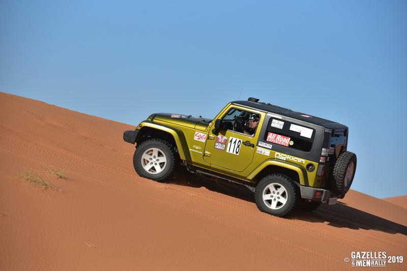 Gazelles and Men Rally 2019 - La Team 118  dans les dunes de Merzouga.