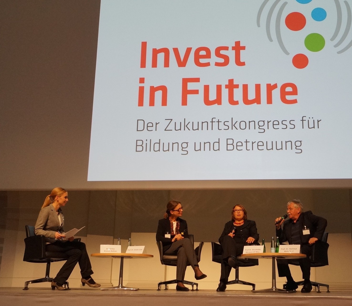 Podiumsdiskussion Invest in Future Zukunftskongress