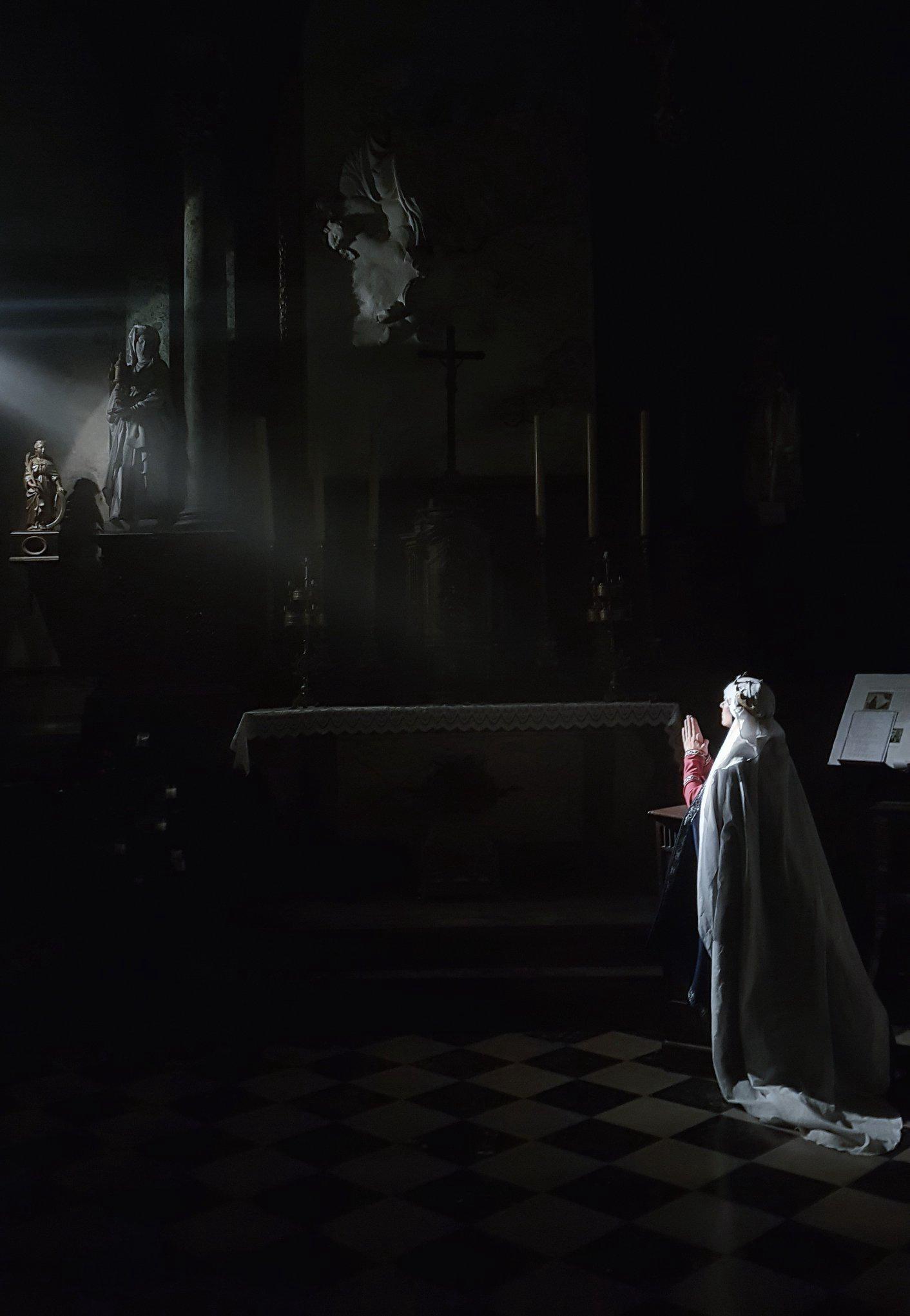 """(DR Florence Legrand) """"Les Fantômes du vendredi""""-Val de Somme-Corbie-CASA Chambres d'hôtes- Guesthouse-B&B-Amiens"""