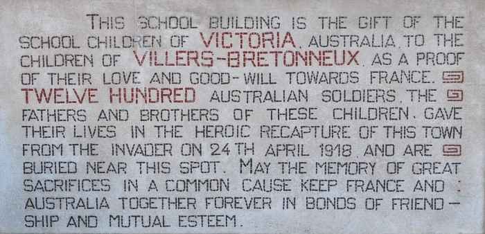 (DR) The plaque on the Victoria School in Villers-Bretonneux. Photo: Courtesy Amanda Wescombe