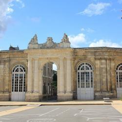 (DR) CASA Chambres d'hôtes Corbie-B&B < La porte monumentale de Corbie