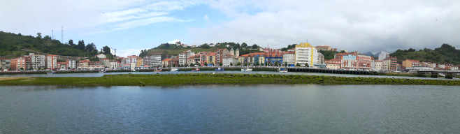 Ribadessella - La ville vue du port