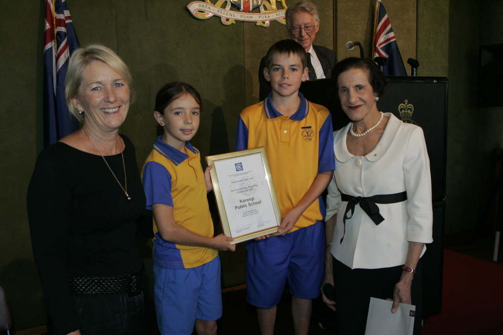 Karangi Public School receives the Tom Harvey Award for their contribution to the environment and working together with the local community