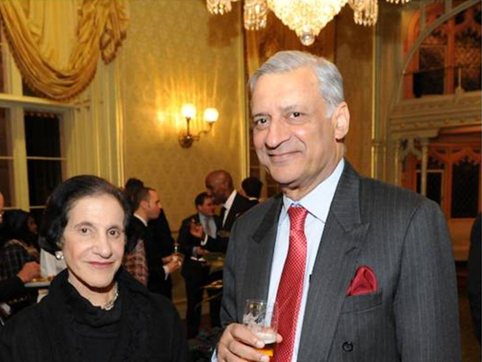 Her Excellency, Prof Marie Bashir welcomes the Secretary-General, Mr Kamalesh Sharma to Sydney