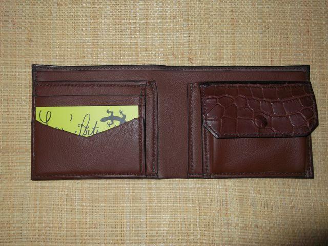 Porte feuille en cuir de crocodile véritable , intérieur veau et croco 9 poches