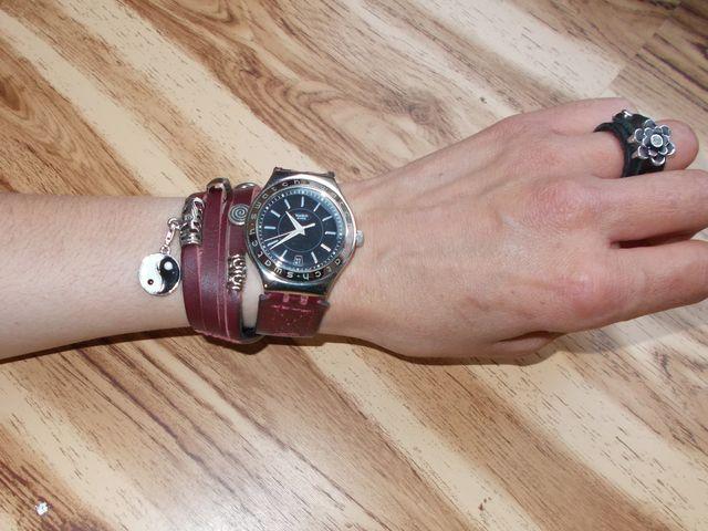 Bracelet montre double tour, lanière bijoux et cuir doublé avec coutures