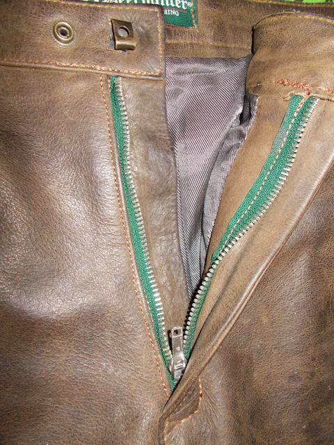 démontage et montage d'une nouvelle fermeture, pantalon de chasse en cuir