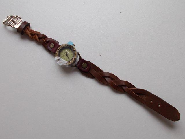 Montre quartz Bracelet cuir veau marron,  tressé 35€