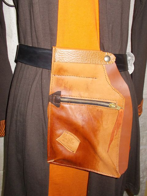 Besace, poche à porter à la ceinture+porte-monnaie / papiers amovible, Cuirs basane et vachette