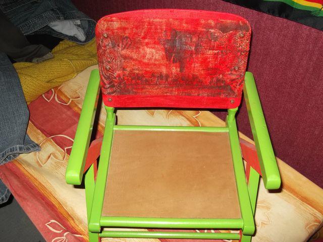 chaise enfant poncée vernis assise gainé cuir