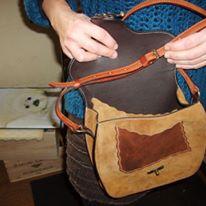Sac à bandoulière cuir entièrement cousu à la main (couture sellier) 380€
