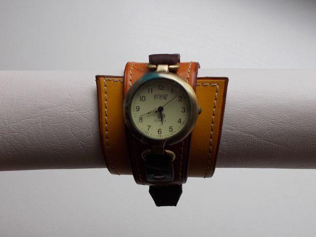 Montre quartz, Bracelet cuir végétal teinté  dégradé marron 45€