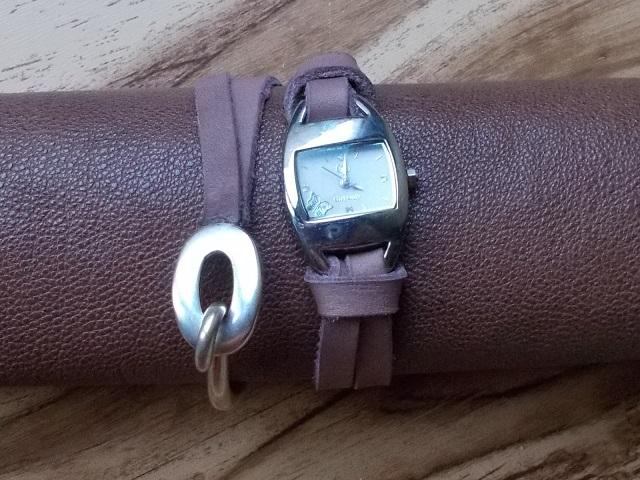 Bracelet montre sur mesure cuir double tour fermoir bijoux