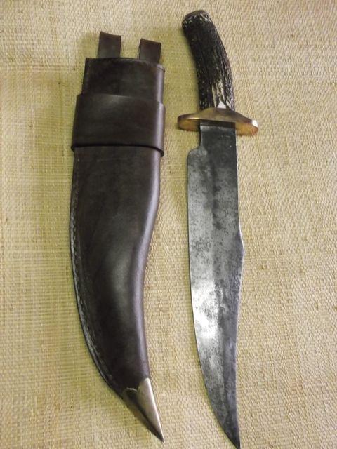 Fourreau sur mesure cuir naturel tannage végétal teinté et cousu à la main