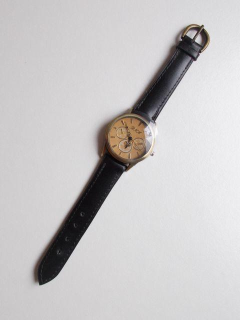 """Montre quartz  bracelet """"classique"""" cuir veau 55€"""