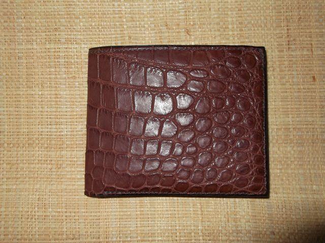 Porte feuille en cuir de crocodile véritable , couture aux pinces (à la main)