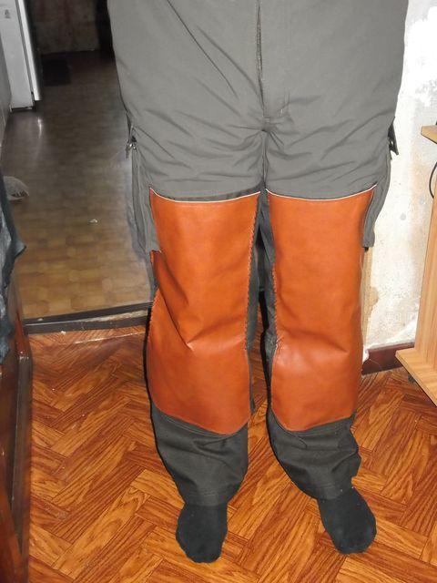 Pose de plaque cuir sur un pantalon en toile