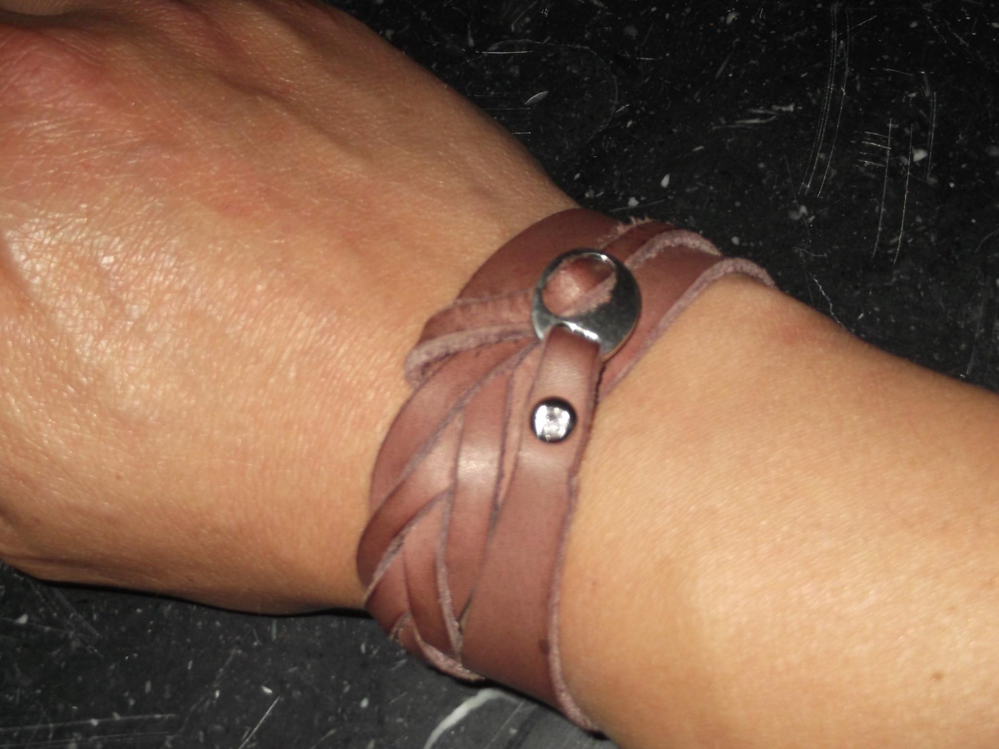 Bracelet double tour avec tresse fermée 18€