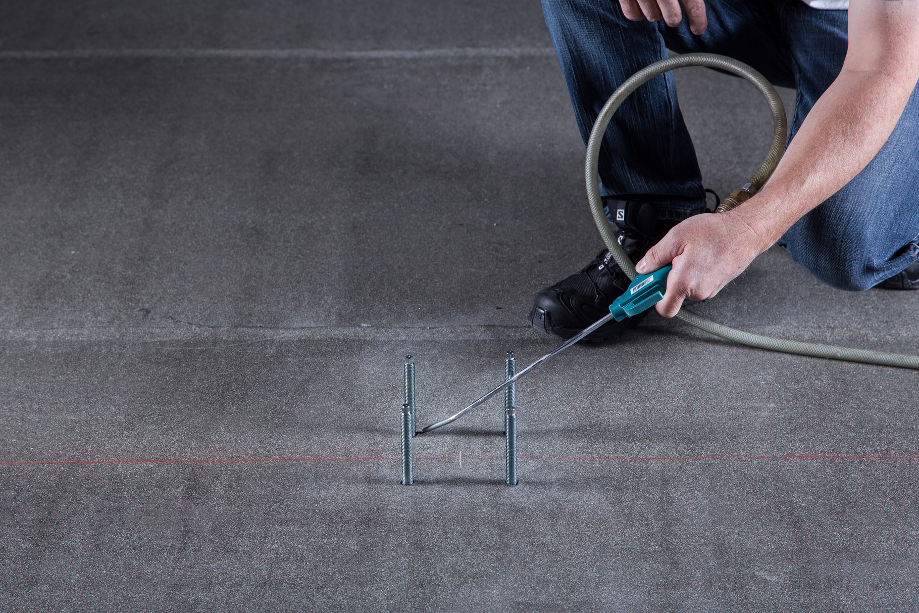 innovative befestigungstechnik beftec dichtes befestigungssystem f r gel nder ganzglas solar. Black Bedroom Furniture Sets. Home Design Ideas