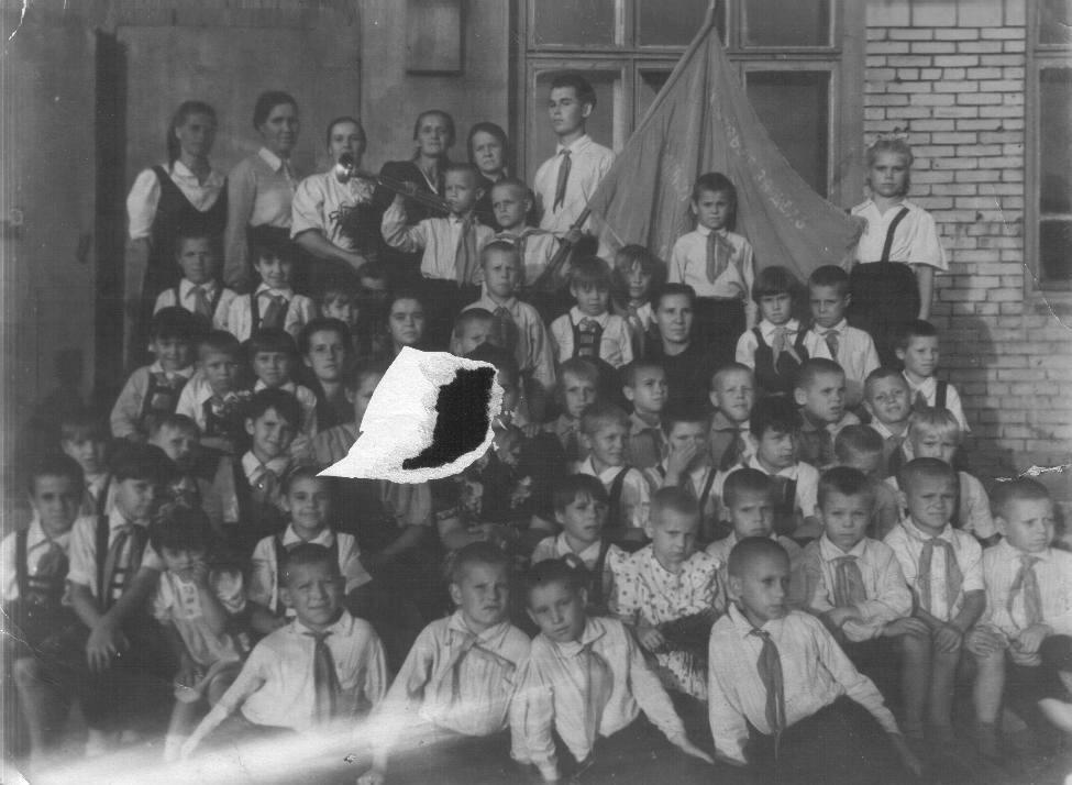 Детский дом Стеклозавода, 1946 г.
