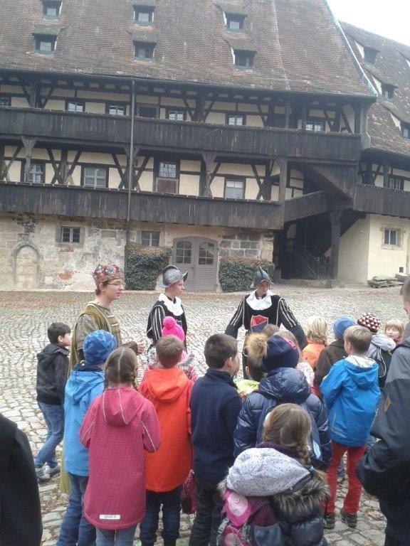 In der Alten Hofhaltung unterhielten sich Ritter über die Altenburg und Schloss Geyerswörth..