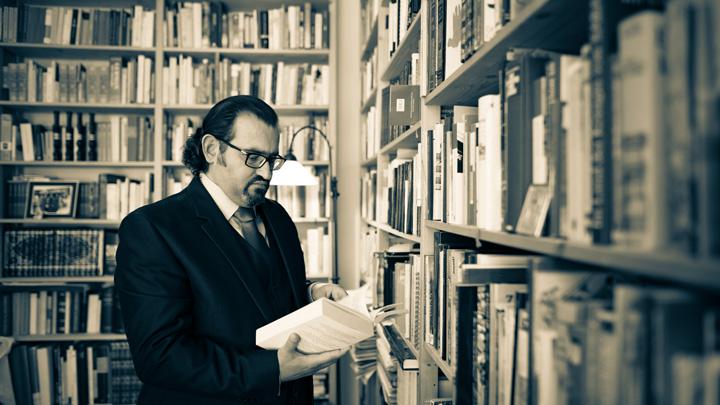 Dr Naseef Naeem