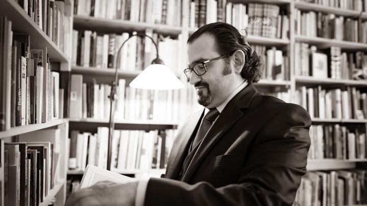 Buchautor und Herausgeber Dr. Naseef Naeem