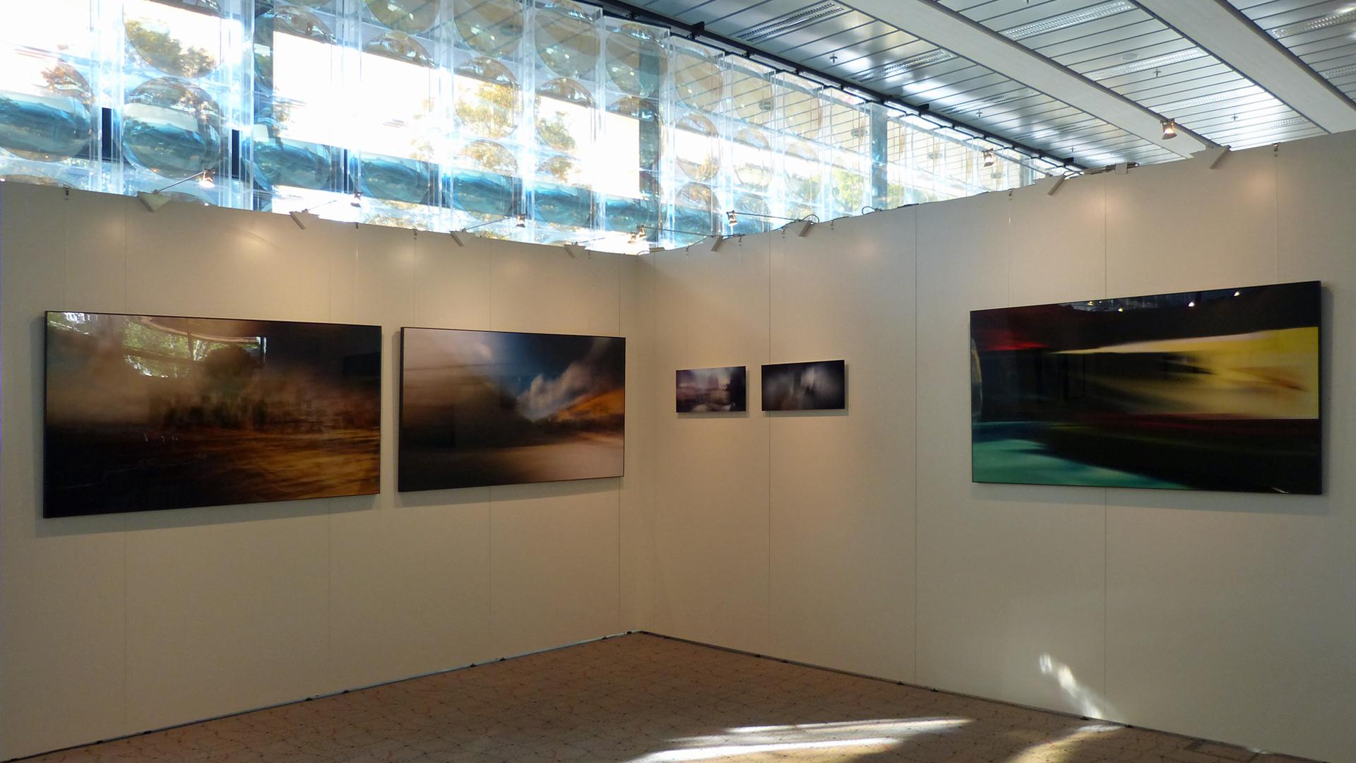 Impressionen der Ausstellung in der Sparkasse.