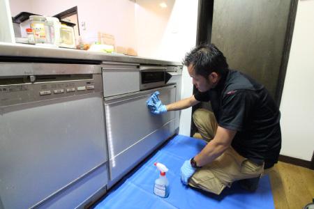 キッチン扉の拭き上げ掃除|お掃除ハウス新潟【阿賀野市】