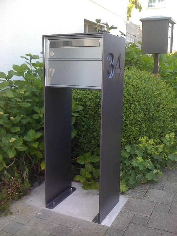 Stahlrahmen für Briefkasten