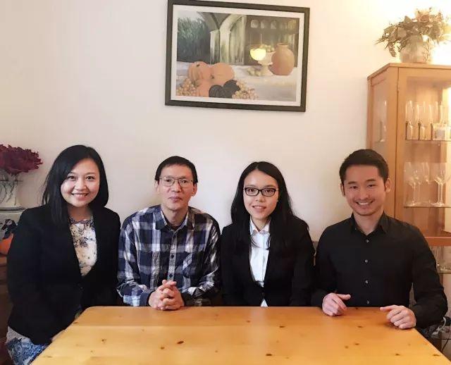 张宏博士接受对话德国团队访谈  从左至右:殷琨 张宏博士 俞逸霖 刘旭辉