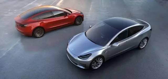 Tesla Model 3 (© www.tesla.cn)