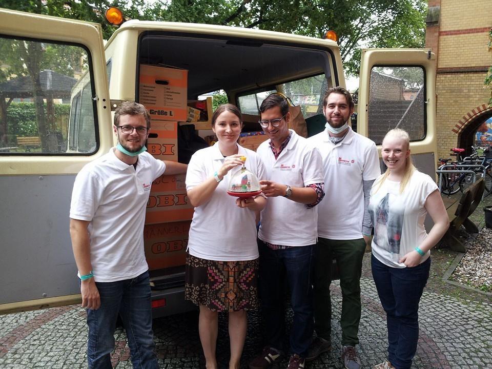 Engagiert für Flüchtlinge in der Ernst-Grube-Halle