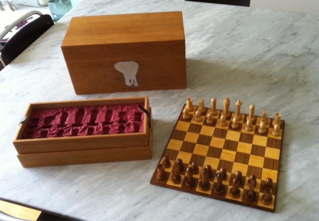 Kersen schaakkist, bord van noten en esdoorn