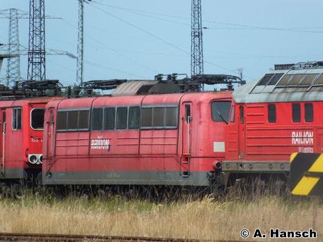 Am 22. Juli 2014 steht 151 128-6 z-gestellt in Rostock Seehafen