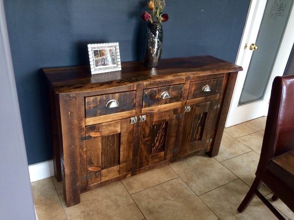 Hutch/buffet cabinet 5'x3' $1000