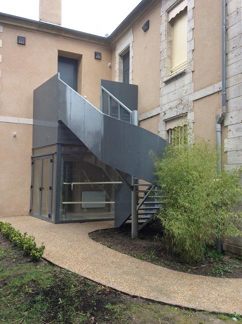 L'escalier extérieur