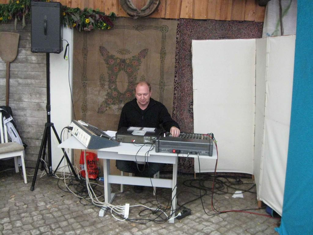 Techniker Rony beim Radebeuler Weinfest 2010